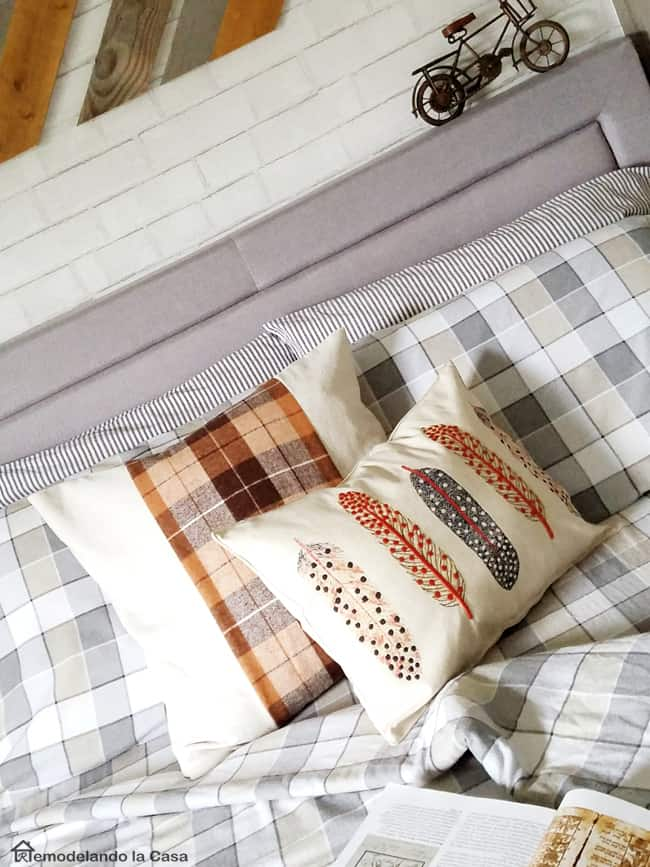 pillows-boy-room-feathers-pillow-from-placemat