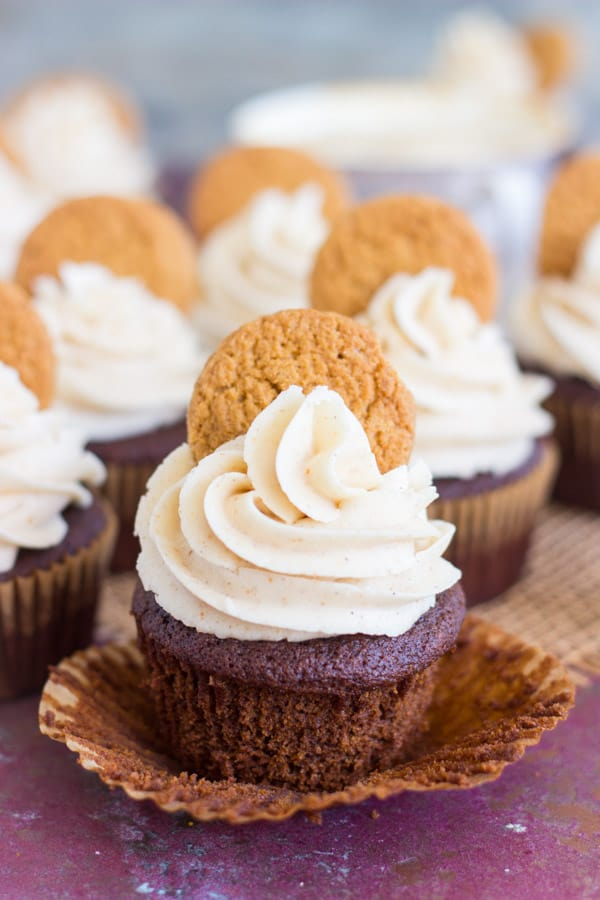 gingerbread-latte-cupcakes-with-brown-butter-frosting-12