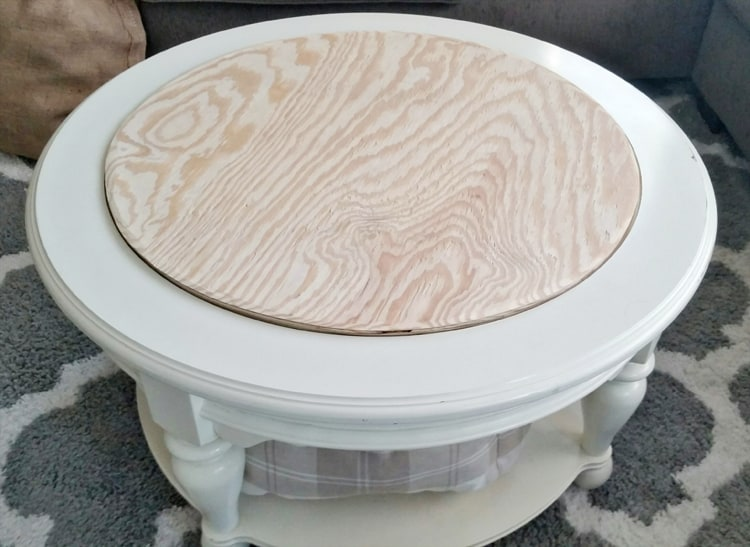 Round Plywood Cut for Coffee Table to create Faux Plank Tabletop