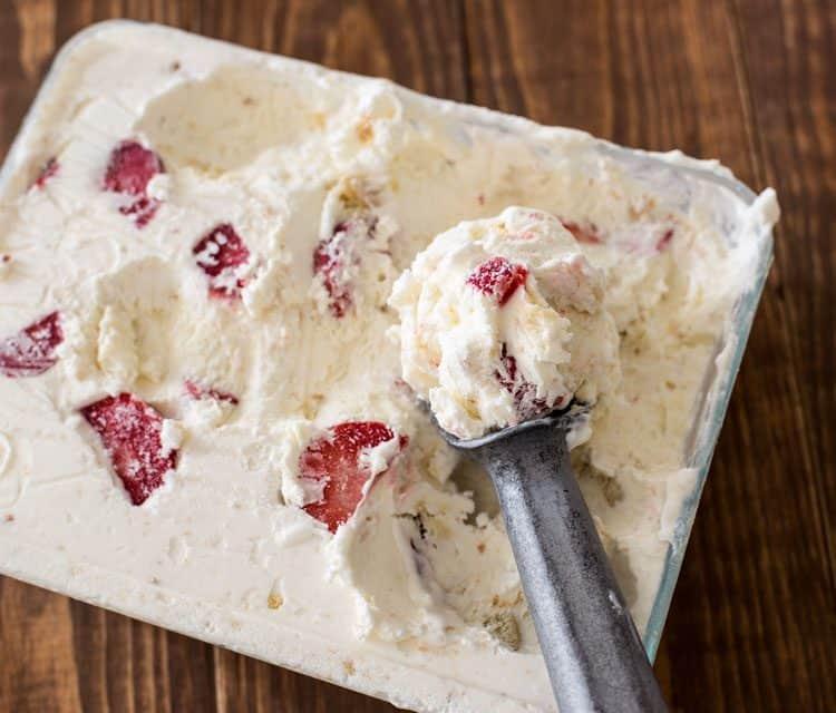 No Churn Strawberry Shortbread Ice Cream | Easy Ice Cream Recipe