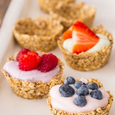 Oatmeal Cups with Yogurt and Fruit