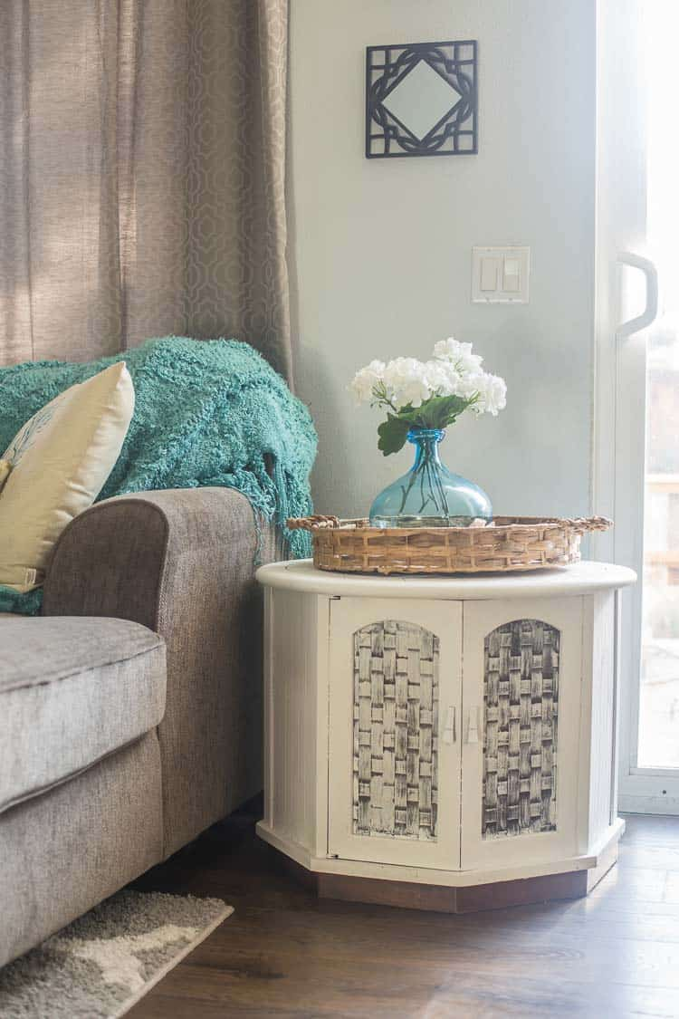 One Dollar Thrift Store Table Makeover