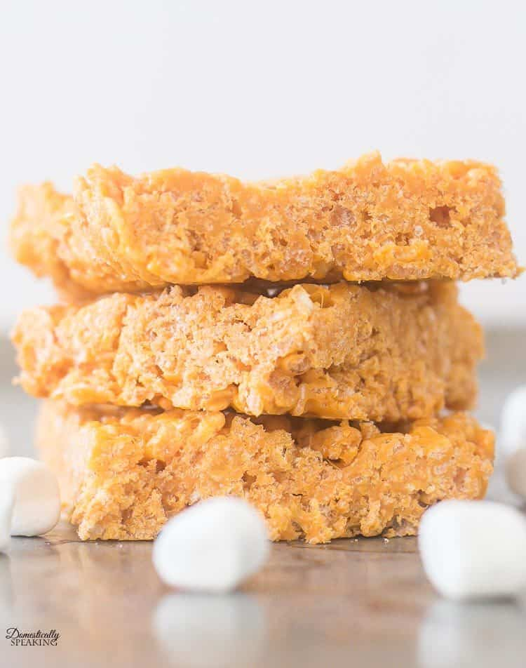 Pumpkin Spice Rice Krispie Treats | Fall Dessert | Marshmallow Treats | #fall #pumpkin #pumpkinspice