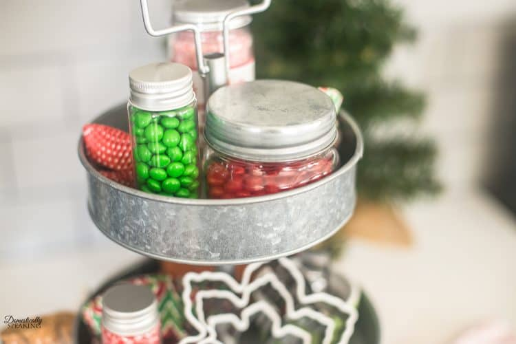 Christmas Cookie Decorating Farmhouse Tray | Modern Farmhouse Christmas Tray | Christmas Baking #christmas #farmhouse #farmhousetray #christmascookies
