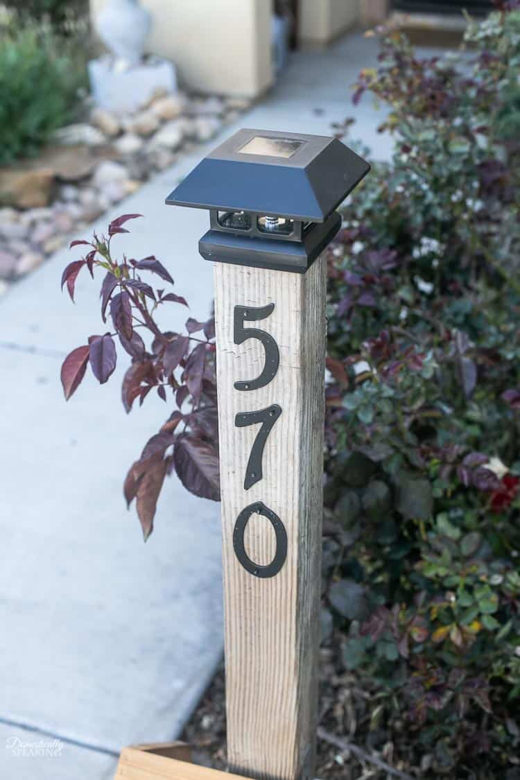 DIY Solar Address Post - easy wooden, rustic weekend project you can make yourself!