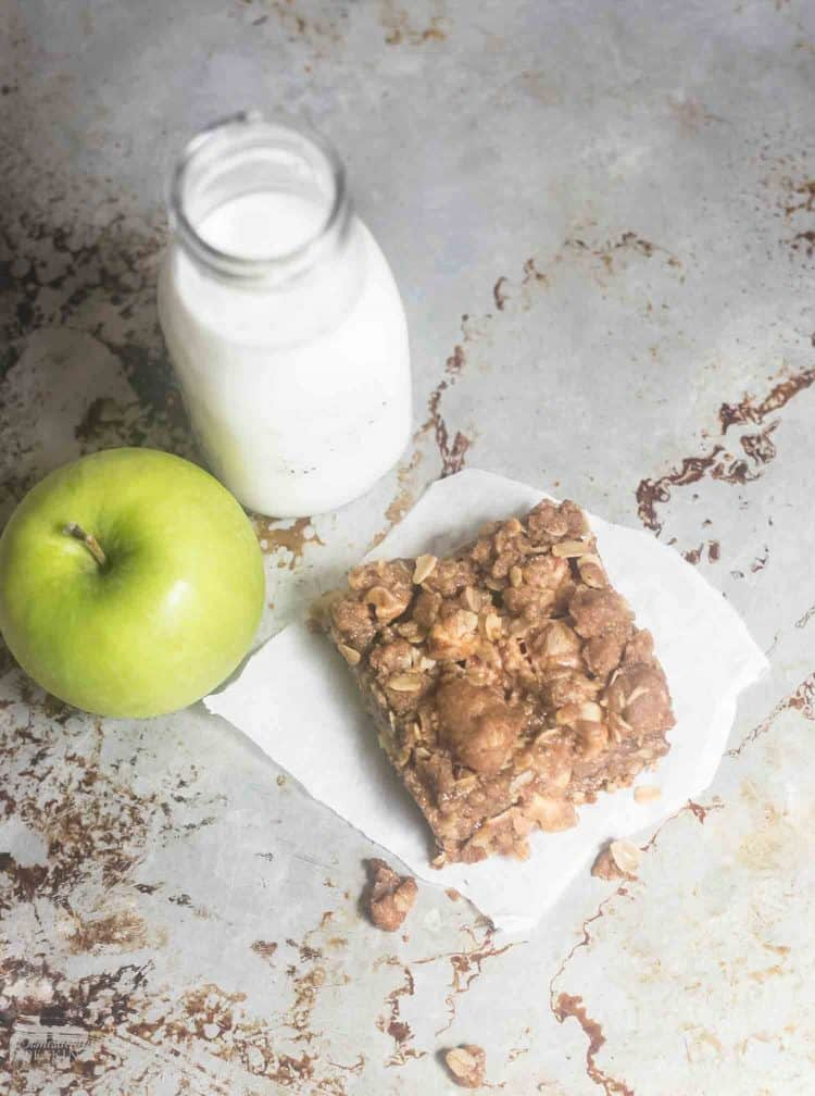 Easy Homemade Apple Crisp Bars