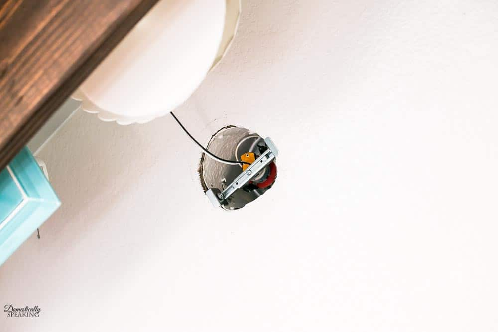 Installing a recessed lighting kit