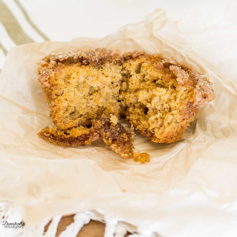 Streusel Topping Pumpkin Muffins